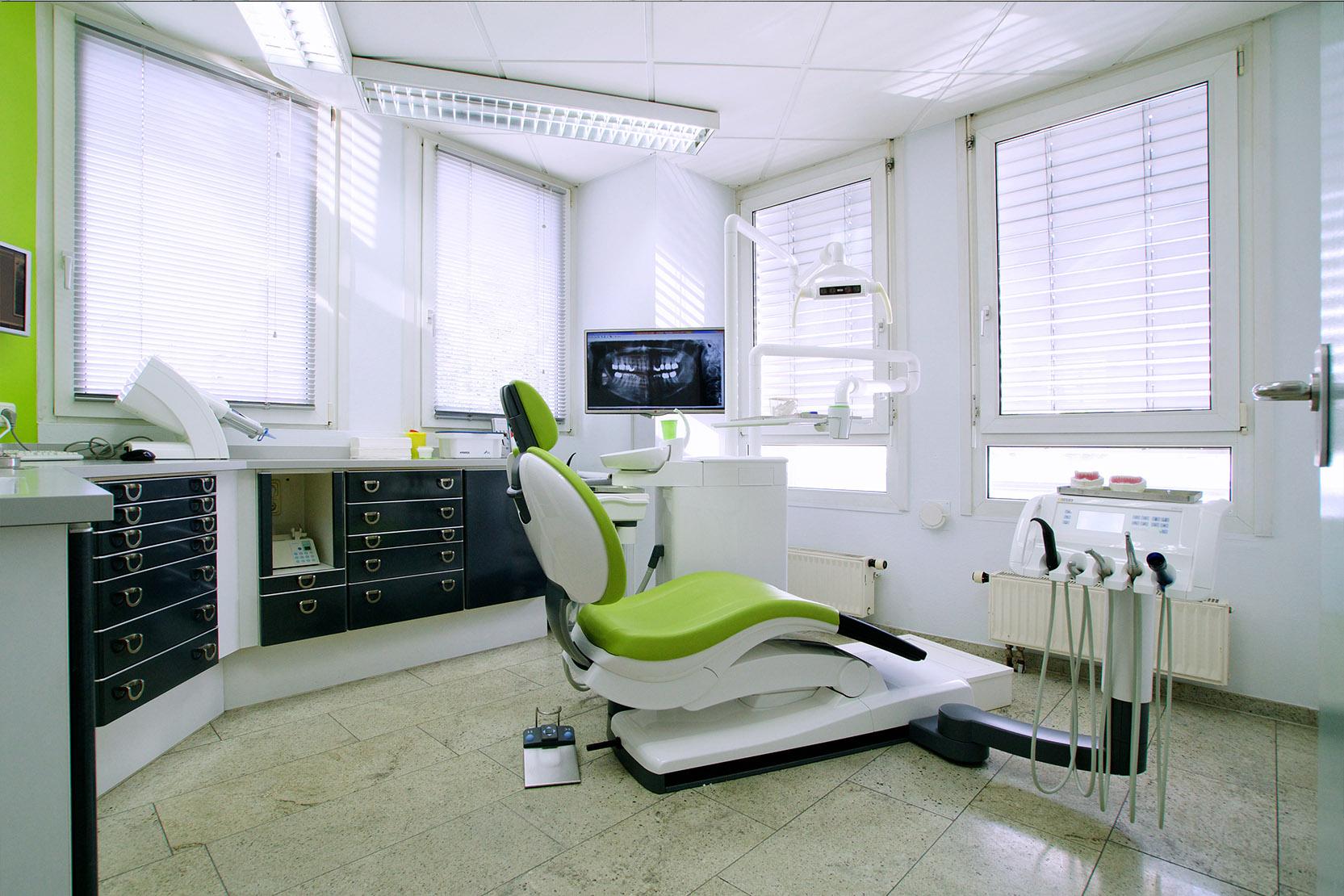 praxis-zahnarzt-denteam-behandlungsraum-2