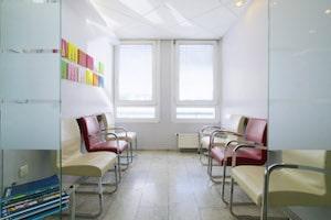 Wartezimmer der Zahnarztpraxis Denteam in Köln